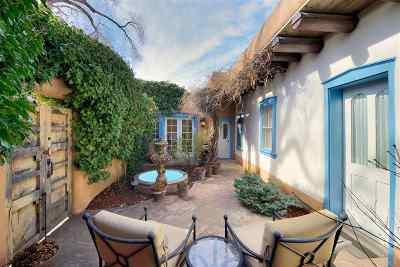 Santa Fe Single Family Home For Sale: 300 Garcia