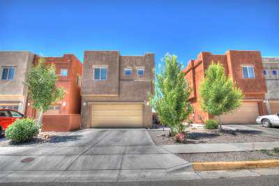 Condo/Townhouse For Sale: 11 Canyon Cliff