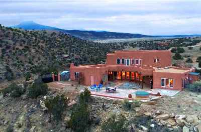 Abiquiu NM Single Family Home For Sale: $780,000