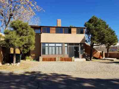 Multi Family Home For Sale: 1625 C De Baca