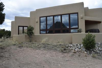Single Family Home For Sale: 100 Lobo Ranch Road