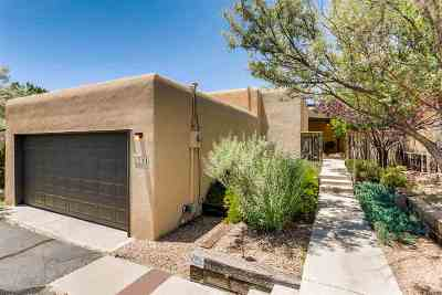 Single Family Home For Sale: 2854 Plaza Verde