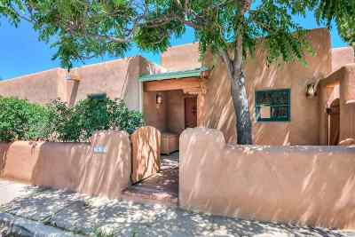 Santa Fe Condo/Townhouse For Sale: 709 Don Felix #Unit A