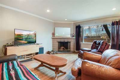 Espanola Single Family Home For Sale: 617 Valley Drive