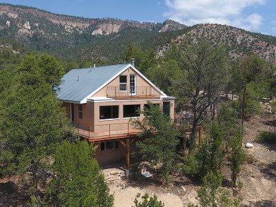 Jemez Springs Single Family Home For Sale: 52 El Cerrito Place