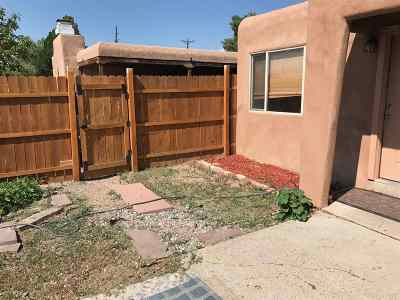 Santa Fe Single Family Home For Sale: 1021 Camino Del Gusto