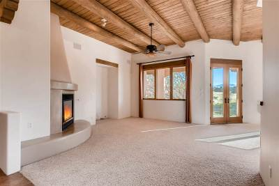 Santa Fe Single Family Home For Sale: 102 Bosquecillo