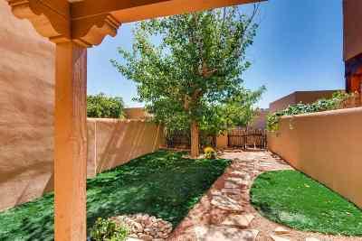 Santa Fe Single Family Home For Sale: 12 Camino De Vecinos