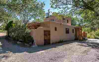Santa Fe Single Family Home For Sale: 322-A Camino Cerrito