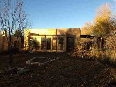 Single Family Home For Sale: 903 Baca #A and B