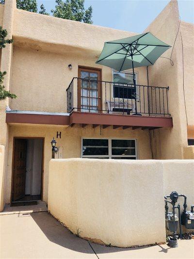 Santa Fe Condo/Townhouse For Sale: 1333 Pacheco Street #H