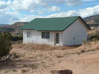 Abiquiu Single Family Home For Sale: 154 Apache Trl