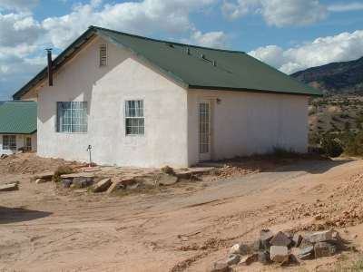 Abiquiu Single Family Home For Sale: 152 Apache Trl