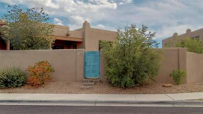 Santa Fe Single Family Home For Sale: 14 Camino Del Centro
