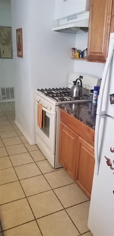 Santa Fe NM Single Family Home For Sale: $169,000