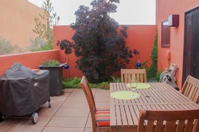 Santa Fe Condo/Townhouse For Sale: 615 Avenida Colima