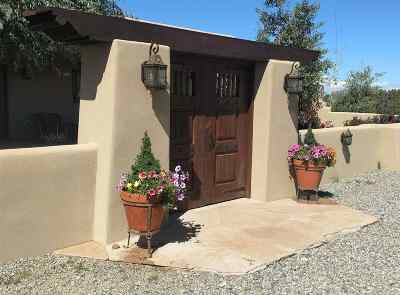Santa Fe Single Family Home For Sale: 109 Mejor Lado (House)