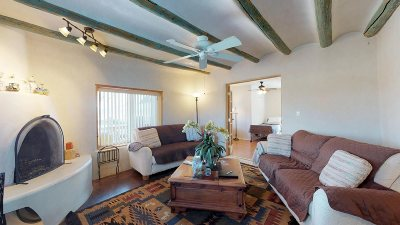 Rio Arriba County Single Family Home For Sale: 19503-B Us Hwy 84/285