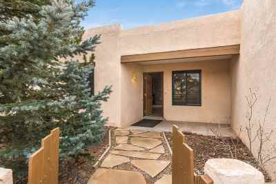 Santa Fe Single Family Home For Sale: 3 Juego Pl