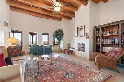 Santa Fe County Single Family Home For Sale: 5 Calle Vista