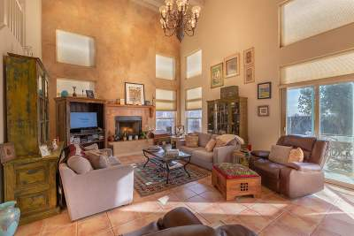 Santa Fe NM Single Family Home For Sale: $390,000