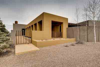 Santa Fe NM Single Family Home For Sale: $1,350,000