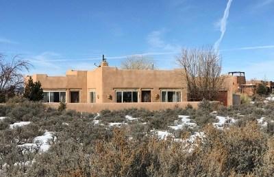 Single Family Home For Sale: 3 Casa Del Cielo
