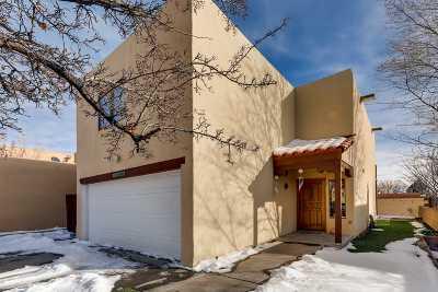 Santa Fe Single Family Home For Sale: 2232 Camino Rancho Siringo