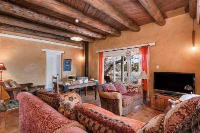 Santa Fe Single Family Home For Sale: 41 Canada Village Road