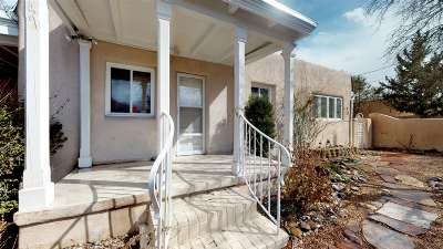 Santa Fe Single Family Home For Sale: 147 Daniel St