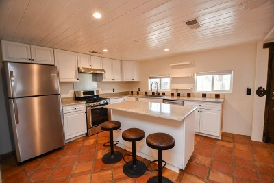Single Family Home For Sale: 09 El Tros
