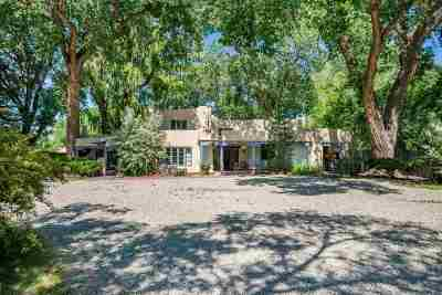 Single Family Home For Sale: 450 & 452 La Posta