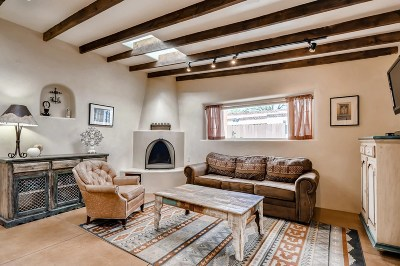 Santa Fe Condo/Townhouse For Sale: 711 Don Cubero Alley