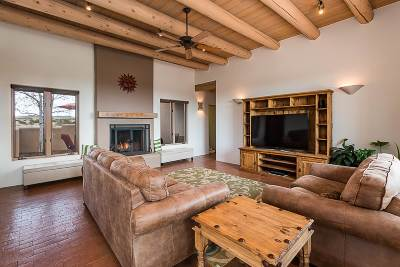 Single Family Home For Sale: 1 Camino Caballos Spur