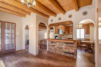 Santa Fe Single Family Home For Sale: 1047 Camino San Acacio