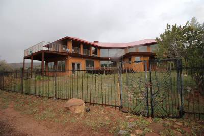 Abiquiu Single Family Home For Sale: 21463 Us Hwy 84