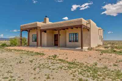 Santa Fe Single Family Home For Sale: 145 Turquoise Trail Court
