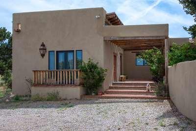 Single Family Home For Sale: 25 Camino Oriente