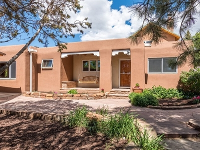 Santa Fe NM Single Family Home For Sale: $640,000
