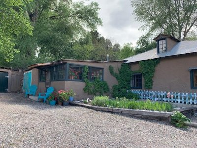 Rio Arriba County Single Family Home For Sale: 235 State Road 75