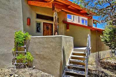 Single Family Home For Sale: 13 Via Entrada
