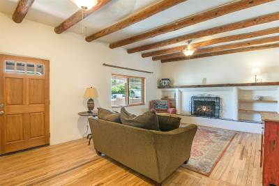 Santa Fe County Single Family Home For Sale: 501 Salazar