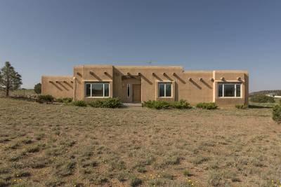 Santa Fe County Single Family Home For Sale: 6 Calle Gary