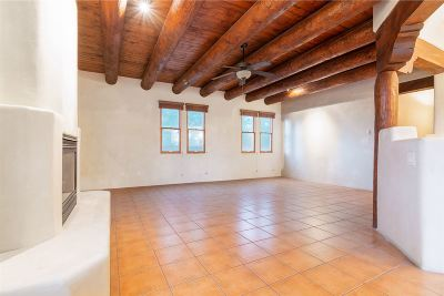 Santa Fe Condo/Townhouse For Sale: 928 Nicole Place #Unit D