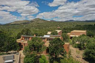 Santa Fe Single Family Home For Sale: 83 Apache Ridge