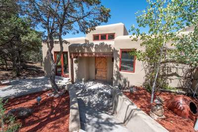 Santa Fe Single Family Home For Sale: 1026 Stagecoach Road