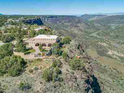 Los Alamos Single Family Home For Sale: 409 Estante Way