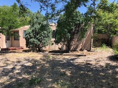 Santa Fe Single Family Home For Sale: 2827 Siringo