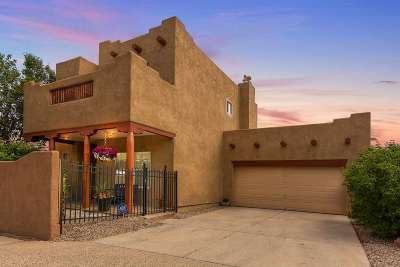 Single Family Home For Sale: 6962 Golden Mesa