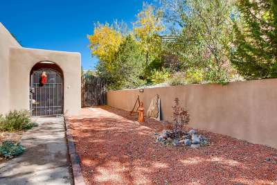 Santa Fe Condo/Townhouse For Sale: 255 Camino De La Sierra